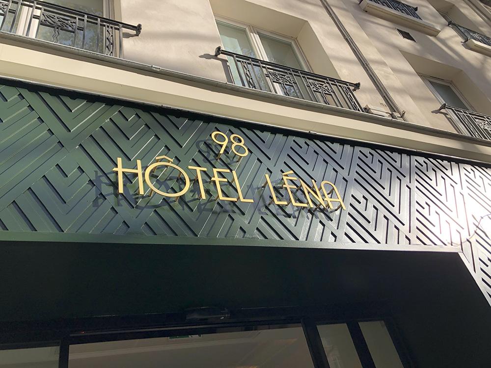 devanture à chevrons hôtel